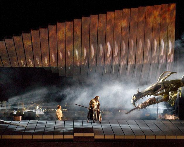 Das Rheingold, dirección de Robert Lepage basada en la ópera de Richard Wagner.