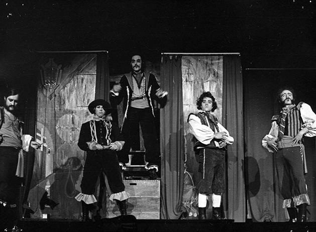 La ópera del bandido, de John Gay, por el grupo Tábano. (Sala Cadarso, 1976). (Fuente: Archivo CDT).