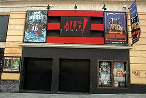 Fachada del Teatro Alfil (2007). (Foto: Daniel Alonso. Fuente: Archivo CDT).