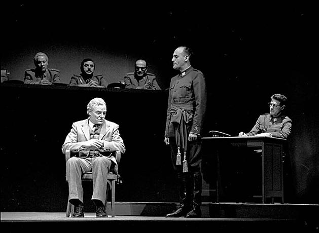 Proceso a Besteiro. Teatro Pavón, Madrid, 1986.