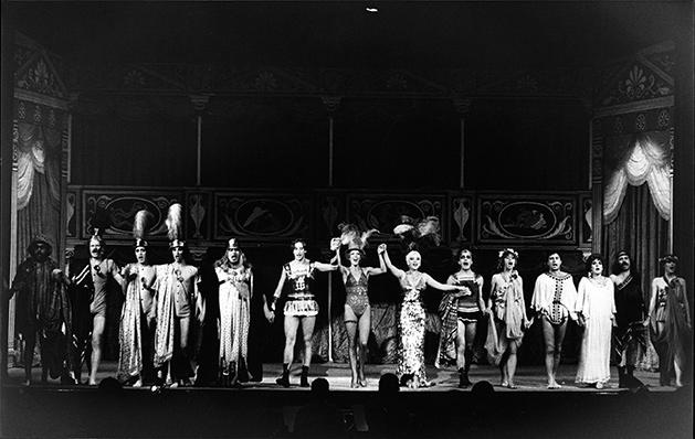 La bella Helena, de Peter Hacks, por el Teatre Lliure (Barcelona, 1979).
