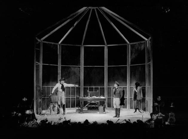 El hombre y la mosca. Teatro María Guerrero, de Madrid, 1983.