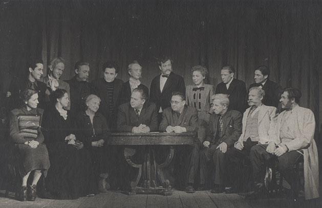 Grupo de directores, 5.º Curso, con Andrei Labanov, Guitis, Moscú, 1953.