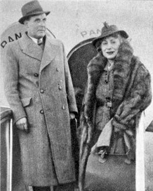 Llegada a Buenos Aires de Margarita Xirgu y Miquel Ortín en 1937.