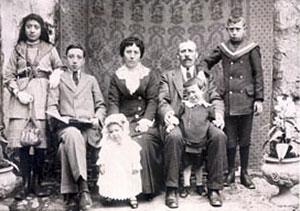 La familia de Arconada. César es el segundo por la izquierda.